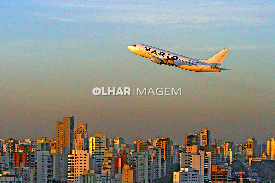 Transporte aéreo. São Paulo. 2007. Foto de Flávio Bacellar.