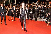 Frederique Bel arrive sur le tapis rouge pour la projection du film 'Juste la fin du monde' lors du 69ème Festival du Film à Cannes le jeudi 19 mai 2016.