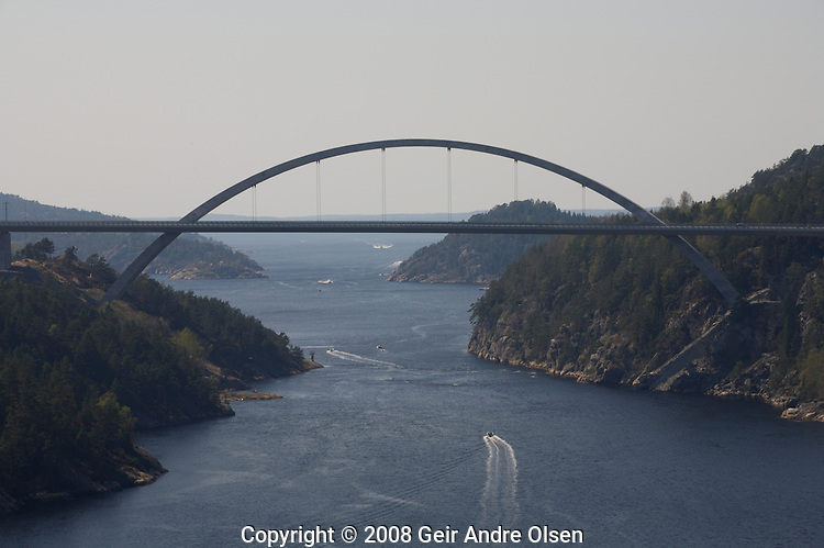 The new bridge at Svinesund, on the boarder between Norway and Sweeden