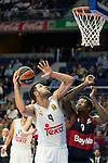 Real Madrid´s player Felipe Reyes and Bayern Munich´s player Thompson during the 4th match of the Turkish Airlines Euroleague at Barclaycard Center in Madrid, Spain, November 05, 2015. <br /> (ALTERPHOTOS/BorjaB.Hojas)
