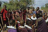 "Afrika Tansania Tanzania Indigene Völker Nomaden Massai Masai Maassai junge Krieger Männer und junge Frauen Mädchen beim rituellen Tanz im Kral - tanzen Tradition Ritual Beschneidung beschnitten Frau Heirat Zeremonie Afrikaner afrikanisch Ureinwohner Stamm Schmuck Geschlechter gender xagndaz | .Africa Tanzania Nomads Massai man men warrior and young women at ritual dance in Kral - circumcise circumcision girl woman gender ceremony marriage Indigenous people Tribe tribals third world african | .[copyright  (c) agenda / Joerg Boethling , Veroeffentlichung nur gegen Honorar und Belegexemplar an / royalties to: agenda  Rothestr. 66  D-22765 Hamburg  ph. ++49 40 391 907 14   e-mail: boethling@agenda-fototext.de   www.agenda-fototext.de  Bank: Hamburger Sparkasse BLZ 200 505 50 kto. 1281 120 178  IBAN: DE96 2005 0550 1281 1201 78 BIC: ""HASPDEHH""] [#0,26,121#]"