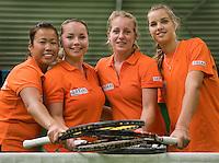 29-1-09, Almere, Training Fedcup team, Fedcupteam v.l.n.r.: Pauline Wong, Nicole Thyssen, Michelle Gerards en Arantxa Rus