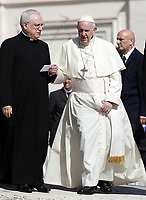 Papa Francesco e Moonsignor Leonardo Sapienza  (s)  al termine dell'udienza generale del mercoledi' in Piazza San Pietro, Citta' del Vaticano 11 settembre 2019.<br /> Pope Francis and Monsignor Leonardo Sapienza (l) leave  at the end of the weekly general audience in St. Peter's Square at the Vatican,  on September 11, 2019.<br /> UPDATE IMAGES PRESS/Isabella Bonotto<br /> <br /> STRICTLY ONLY FOR EDITORIAL USE