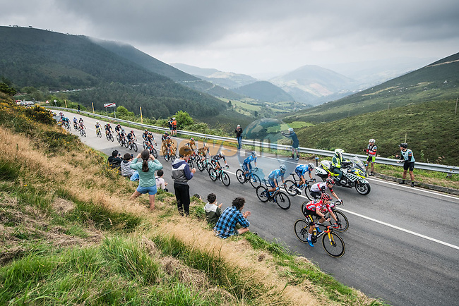 The main bunch including race leader Primoz Roglic (SLO) Jumbo-Visma during Stage 19 of La Vuelta d'Espana 2021, running 191.2km from Tapia de Casariego to Monforte de Lemos, Spain. 3rd September 2021.    <br /> Picture: Unipublic/Charly Lopez | Cyclefile<br /> <br /> All photos usage must carry mandatory copyright credit (© Cyclefile | Charly Lopez/Unipublic)