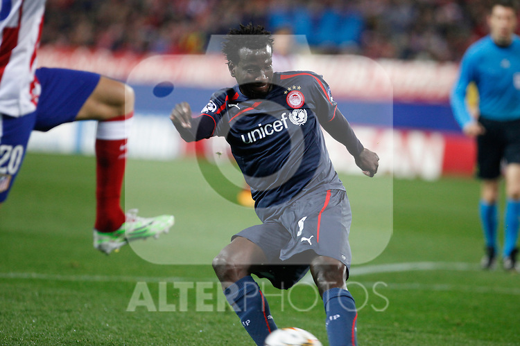 Olympiacos´s N´Dinga during Champions League soccer match between Atletico de Madrid and Olympiacos at Vicente Calderon stadium in Madrid, Spain. November 26, 2014. (ALTERPHOTOS/Victor Blanco)