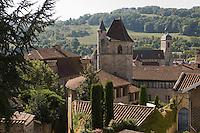 Europe/France/Midi-Pyrénées/46/Lot/Figeac: Rue Delzens et  Tour du Château du Viguier du Roy et en fond l'église St-Sauveur