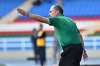 CALI – COLOMBIA, 27-02-2021: Jaime De La Pava, director técnico de Cortuluá gesticula durante partido entre Atlético FC y Cortuluá por la fecha 8 del Torneo BetPlay DIMAYOR 2021 jugado en el estadio Pascual Guerrero de la ciudad de Cali. / Jaime De La Pava coach of Cortulua gestures during match between Atletico FC and Cortulua for the date 8 as part of BetPlay DIMAYOR Tournament 2021 played at the Pascual Guerrero stadium in Cali city. Photos: VizzorImage / Nelson Rios / Cont.