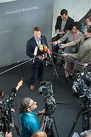 Sitzung des NSA-Untersuchungsausschuss am Mittwoch den 17. Juni 2015.<br /> Im Bild: Christian Flisek, Obmann der Bundestagsfraktion der SPD beim Pressestatement.<br /> 17.6.2015, Berlin<br /> Copyright: Christian-Ditsch.de<br /> [Inhaltsveraendernde Manipulation des Fotos nur nach ausdruecklicher Genehmigung des Fotografen. Vereinbarungen ueber Abtretung von Persoenlichkeitsrechten/Model Release der abgebildeten Person/Personen liegen nicht vor. NO MODEL RELEASE! Nur fuer Redaktionelle Zwecke. Don't publish without copyright Christian-Ditsch.de, Veroeffentlichung nur mit Fotografennennung, sowie gegen Honorar, MwSt. und Beleg. Konto: I N G - D i B a, IBAN DE58500105175400192269, BIC INGDDEFFXXX, Kontakt: post@christian-ditsch.de<br /> Bei der Bearbeitung der Dateiinformationen darf die Urheberkennzeichnung in den EXIF- und  IPTC-Daten nicht entfernt werden, diese sind in digitalen Medien nach §95c UrhG rechtlich geschuetzt. Der Urhebervermerk wird gemaess §13 UrhG verlangt.]