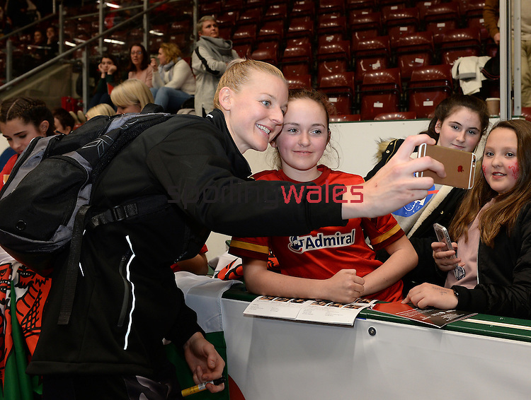New Zealand's Katrina Grant (Capt) has a selfie with fans  <br /> <br /> Swansea University International Netball Test Series: Wales v New Zealand<br /> Ice Arena Wales<br /> 08.02.17<br /> ©Ian Cook - Sportingwales