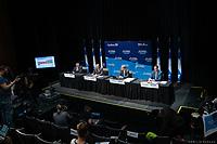 Point de presse <br /> du premier ministre du Québec, M. François Legault,<br /> avec le ministre de la Santé et des Services sociaux, M. Christian Dubé, et le directeur national de la santé publique, M. Horacio Arruda<br /> le 19  Novembre 2020<br /> <br /> PHOTO :  Emilie Nadeau