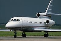 """- """"executive"""" aircraft Dassault falcon 900....- aereo """"executive"""" Dassault Falcon 900"""