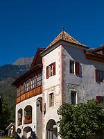 Wirtshaus zur blauen Traube, Algund bei Meran, Region Südtirol-Bozen, Italien, Europa<br /> Pub Zur blauen Traube, Lagundo near Merano, Region South Tyrol-Bolzano, Italy, Europe