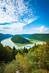 Oesterreich, Oberoesterreich, Haibach ob der Donau, Ortsteil Schloegen: Die Schloegener Schlinge zwischen Passau und Linz | Austria, Upper Austria, Haibach ob der Donau, district Schloegen: horseshoe bend 'Schloegener Schlinge' between Passau and Linz