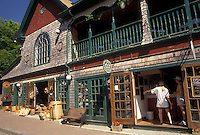 AJ4484, Bar Harbor, Maine, Atlantic Ocean, Acadia, Shops along Main Street in the scenic seaside town of Bar Harbor on Mount Desert Island in the state of Maine.