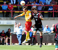 SV Zulte - Waregem : Kristof Dupont in duel met Karel D'haene.foto VDB / BART VANDENBROUCKE