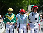 Jockeys for Leslie