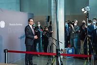 """Letzte Sitzung des Untersuchungsausschusses """"PKW-Maut"""" des Deutschen Bundestag am Donnerstag den 28. Februar 2021.<br /> Als einziger Zeuge war erneut Bundesverkehrsminister Andreas Scheuer, CSU, vorgeladen.<br /> Der Ausschuss wurde zur Aufklaerung der Mautvertraege zwischen dem Verkehrsministerium unter Leitung von Andreas Scheuer und den Firmen Kapsch und CTS Eventim eingerichtet.<br /> Der Maut-Untersuchungsausschuss soll das Verhalten der Regierung und besonders des Verkehrsministers bei der Vorbereitung und der Vergabe der Betreibervertraege """"umfassend aufklaeren"""".<br /> Verkehrsminister Scheuer betonte vor der Sitzung wiederholt, dass alles mit rechten Dingen zugegangen sei.<br /> Im Bild: Verkehrsminister Scheuer gibt vor seiner Vernehmung ein Statement fuer die Presse ab.<br /> 28.1.2021, Berlin<br /> Copyright: Christian-Ditsch.de"""