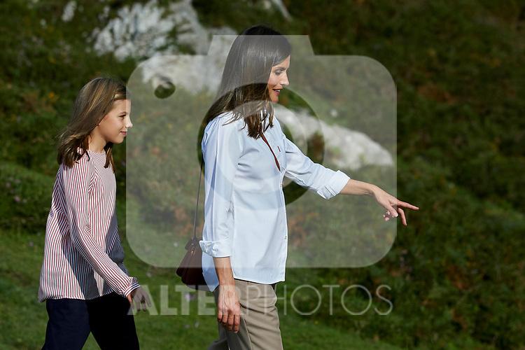 Princess Sofia of Spain and Queen Letizia of Spain visit the Enol lake in Asturias, Spain. September 08, 2018. (ALTERPHOTOS/A. Perez Meca)