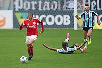 10th July 2021; Arena do Gremio, Porto Alegre, Brazil; Brazilian Serie A, Gremio versus Internacional; Taison of Internacional breaks forward through midfield