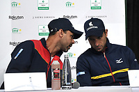 BOGOTA-COLOMBIA, 04-03-2020: Alejandro Falla, Capitan dialoga con Robert Farah, deportista durante rueda de prensa en la presentación del equipo de Colombia para Las clasificatorias Copa Davis by Rakuten 2020 entre Colombia y Argentina en marzo 6 y 7 de 2020. / Alejandro Falla, Captain speaks with Robert Farah, athlete during a press conference at the presentation of the Colombia team for the Davis Cup by Rakuten 2020 qualifiers between Colombia and Argentina on March 6 and 7, 2020. / Photo: VizzorImage / Luis Ramirez / Staff.