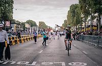40 yr old Mathew Hayman (AUS/Mitchelton-Scott) saluting the crowd down the Champs-Élysées for a very last time? <br /> <br /> Stage 21: Houilles > Paris / Champs-Élysées (115km)<br /> <br /> 105th Tour de France 2018<br /> ©kramon