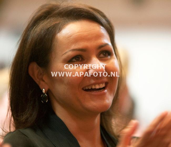 Nijmegen 250410 prominenten  Pvda<br /> Nebahat Albayrak<br /> Foto Frans Ypma APA-foto