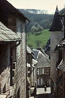 Europe/France/Limousin/19/Corrèze/Turenne: Ruelle et vieilles demeures