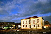 Edificio do Forum da cidade Rio de Contas. Bahia. 2012. Foto de Alberto Viana.