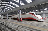 - Stazione Milano Centrale, treno Frecciabianca con motrice E.414<br /> <br /> -  Milano Centrale station , Frecciabianca train with  E.414 locomotive