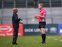31st August 2020; Recreation Ground, Bath, Somerset, England; English Premiership Rugby, Referee Wayne Barnes consults his team before allowing uncontested scrums