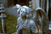 - Genoa, cemetery of Staglieno, statues and graves in  Liberty and Art-Deco style....- Genova, cimitero di Staglieno, statue e tombe in stile Liberty ed Art-Deco....