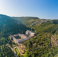 France, Aude (11), Narbonne, Abbaye Sainte-Marie de Fontfroide (vue aérienne) // France, Aude, Narbonne, Fontfroide Abbey (aerial view)