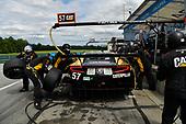 #57 Heinricher Racing w/Meyer Shank Racing Acura NSX GT3, GTD: Katherine Legge, Alice Powell  Pit Stop