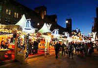 Kerstmarkt op het Damrak in Amsterdam