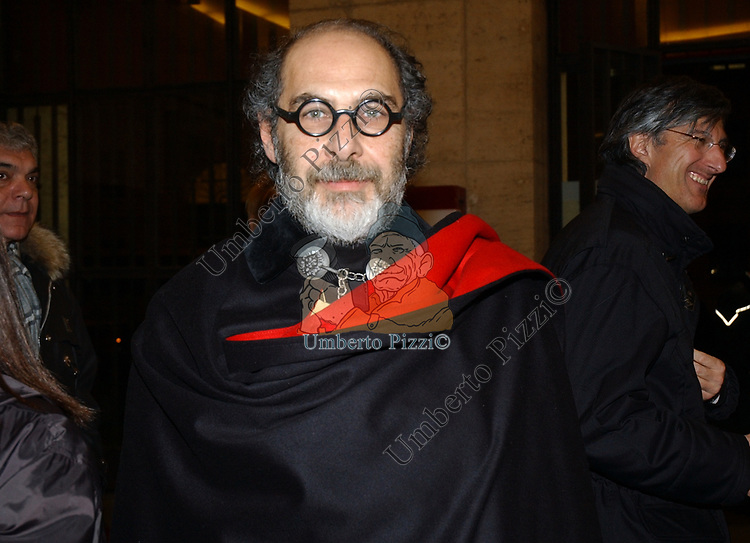 """ROBERTO D'AGOSTINO<br /> VERNISSAGE """"ROMA 2006 10 ARTISTI DELLA GALLERIA FOTOGRAFIA ITALIANA"""" AUDITORIUM DELLA CONCILIAZIONE ROMA 2006"""
