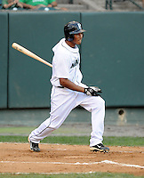 Outfielder Mario Yepez (25) of the Pulaski Mariners in a game against the Danville Braves on July 19, 2010, at Calfee Park in Pulaski, Va. Photo by: Tom Priddy/Four Seam Images