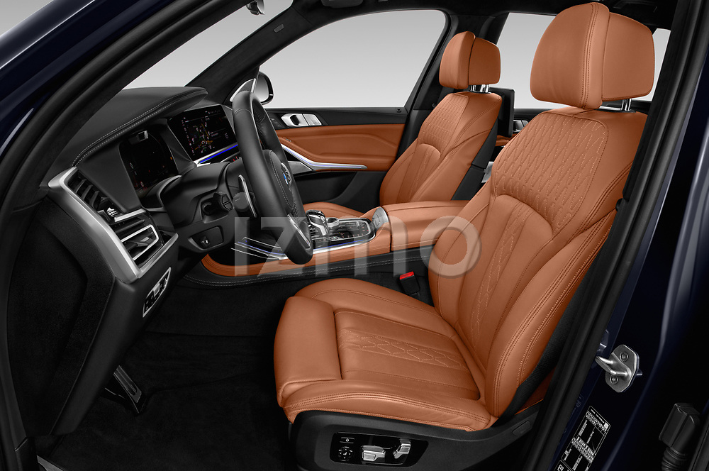 Front seat view of 2019 BMW X7 M-Sport 5 Door SUV Front Seat  car photos