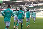 19.09.2020, wohninvest Weserstadion, Bremen, GER,  SV Werder Bremen vs Hertha BSC Berlin, <br /> <br /> <br />  im Bild<br /> <br /> Die Spieler kommen zum aufwaermen auf das Spielfeld<br /> <br /> Tahith Chong (Werder Bremen #22)<br /> Maximilian Eggestein (Werder Bremen #35)<br /> Felix Agu (Werder Bremen / Neuzugang 17)<br /> <br /> Foto © nordphoto / Kokenge<br /> <br /> DFL regulations prohibit any use of photographs as image sequences and/or quasi-video.