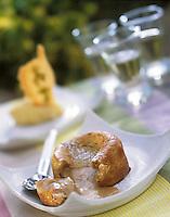 Europe/France/Corse/2A/Corse-du-Sud/Porto-Vecchio: Moelleux tiède à la châtaigne recette de Georges Billom Chef du Grand Hotel de Cala Rossa