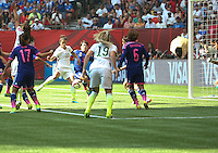Vancouver, Canada - Sunday, July 5, 2015: The USWNT go up 4-1 over Japan to begin the second half in the 2015 FIFA Women's World Cup Final at BC Place.