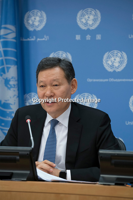 Kairat Umarov (centre, on dais), Permanent Representative of Kazakhstan to the UN and President of the Security Council for the month of January, briefs journalists on the Council's programme of work for the month.