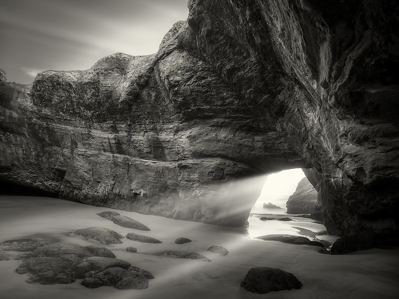 Sea cave at low tide. Devil's Punchbowl State Natural Area. Oregon