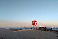 IMBE, RS, 17/08/2020 - CLIMA - TEMPO - Vista do  final de tarde, a partir da barra de Imbé, litoral norte, após um dia de clima seco em todo o estado gaúcho, nesta segunda-feira (17).
