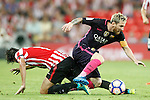 Athletic de Bilbao's Ander Iturraspe (l) and FC Barcelona's Leo Messi during La Liga match. August 28,2016. (ALTERPHOTOS/Acero)