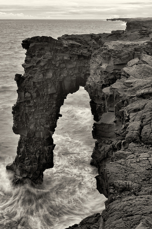 Holei Sea Arch, Hawaii Volcanoes National Park, The Big Island.