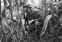 - NATO exercises in Germany, a 1th Cavalry US Army soldier (October 1983)....- esercitazioni NATO in Germania, soldato americano del 1° Cavalleria (ottobre 1983)