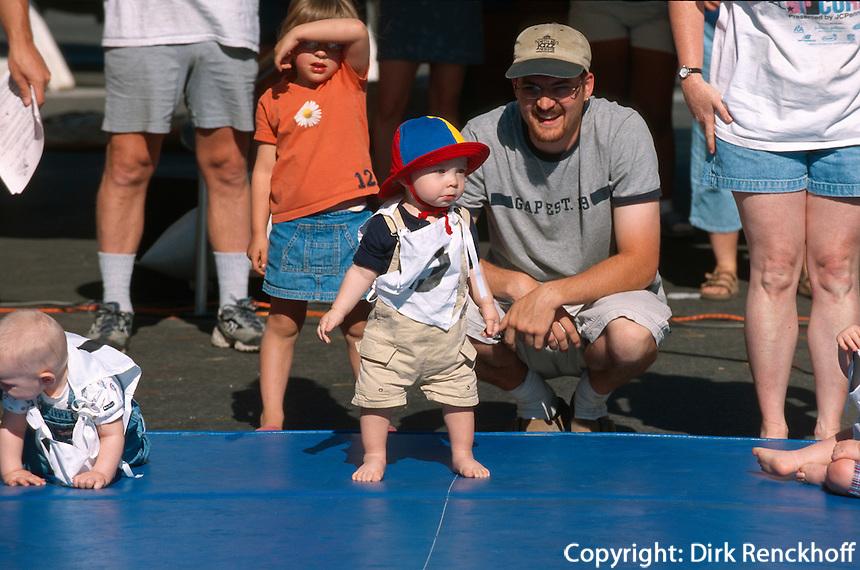 USA, Alaska, Baby-Rennen beim Midnight-Festival  in Fairbanks