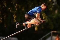 FIERLJEPPEN: IT HEIDENSKIP: 1e klasse Fierljeppen, Nard Brandsma, 20,12 meter, ©foto Martin de Jong