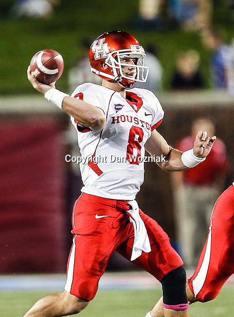 Houston Cougars quarterback David Piland (8) in action during the game between the University of Houston Cougars and the Southern Methodist Mustangs at the Gerald J. Ford Stadium in Dallas, Texas. SMU defeats Houston 72 to 42....