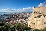 Spain, Costa Blanca, Alicante: View over city of Alicante from walls of Santa Barbara castle | Spanien, Costa Blanca, Alicante: Blick von der Burg Castillo de Santa Bárbara ueber die Stadt